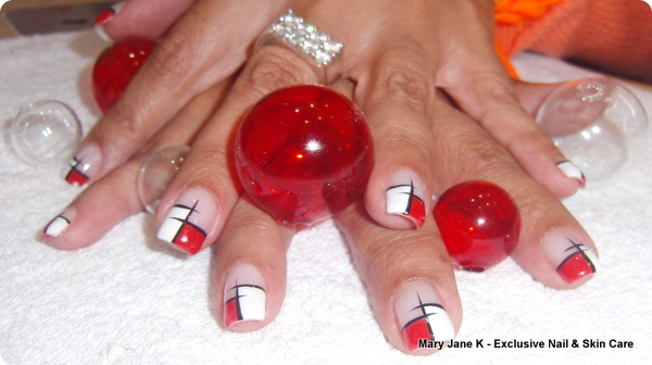 nailart_frenchmanicure-italianred